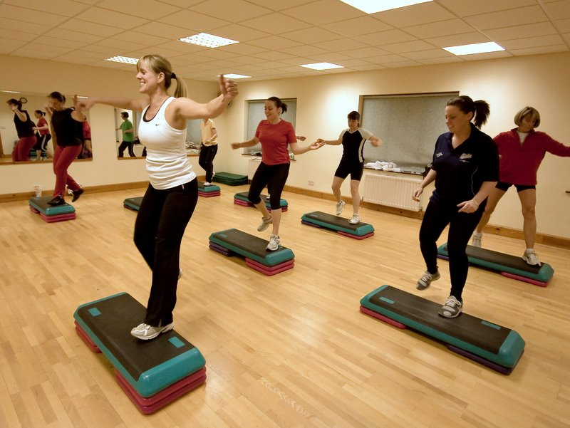 Aerobic step class moves